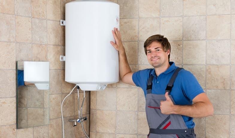 отремонтированный мастером водонагреватель